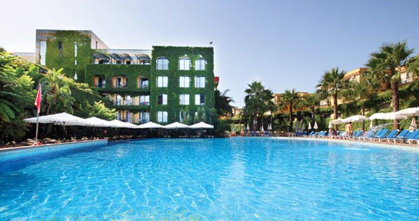 Hotel caesar palace catania sicilia all inclusive - Villaggio giardini naxos all inclusive ...